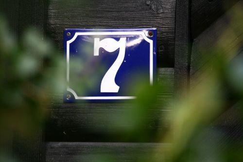 seven house number number