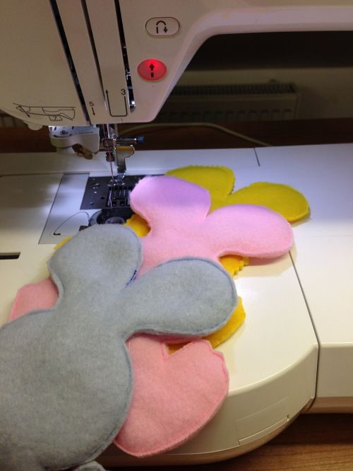 sew sewing machine embroidery
