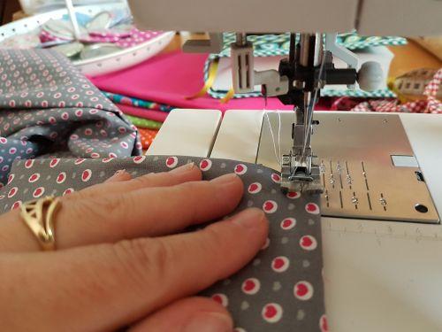 sew sewing machine hand labor