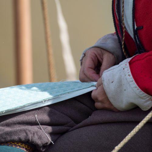 sewing historical reenacting