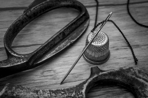 sewing needle thimble