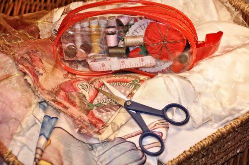 siuvimas,rankdarbiai,amatų,adata,žirklės,ritė,ritė,sriegis,Ruletė,medžiaga,tekstilė,individualus,suknelių gamyba,siuvinėjimas,hobis