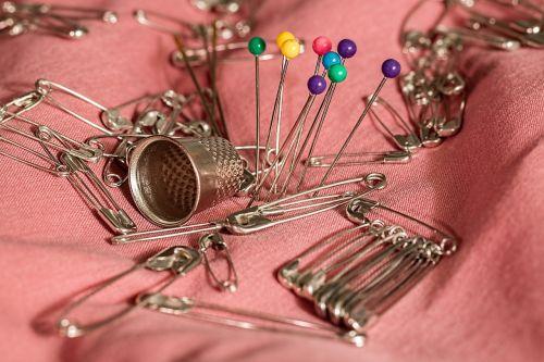 sewing thimble pins