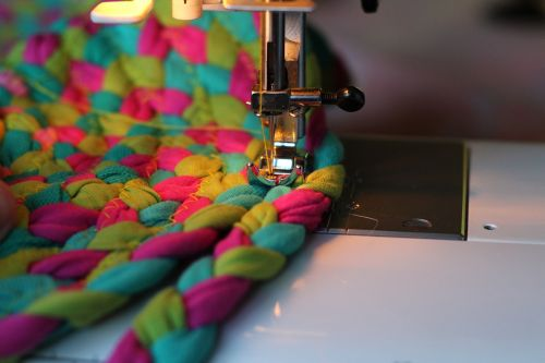 sewing-machine sew stitch