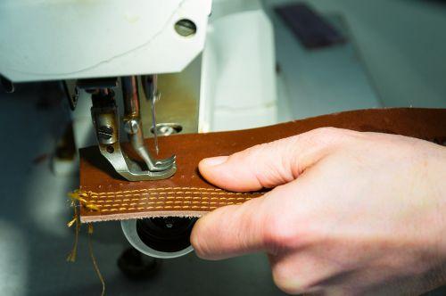 sewing machine manual work skin