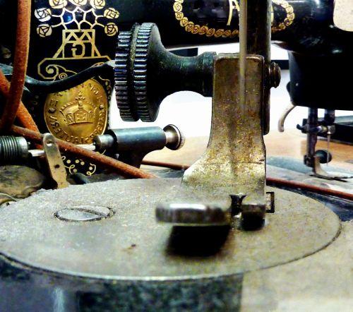 sewing machine sew hand labor