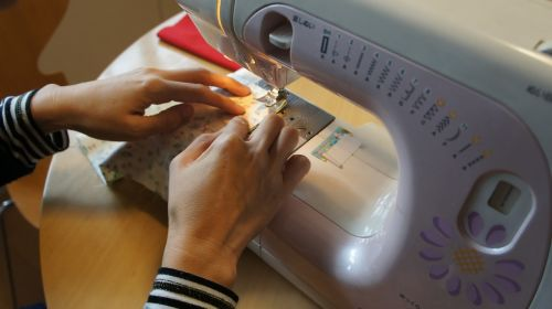 sewing machine handicraft housewife