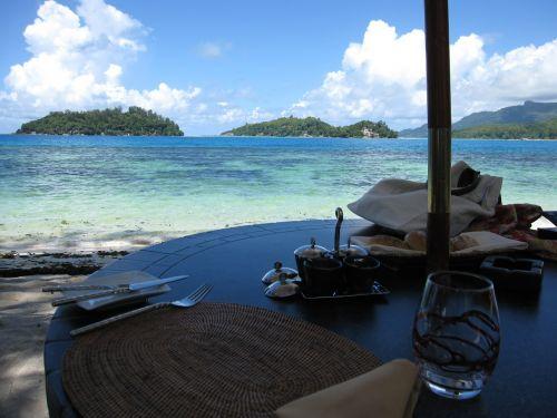 seychelles travel luxury