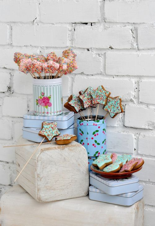 shabby chic gingerbread cans