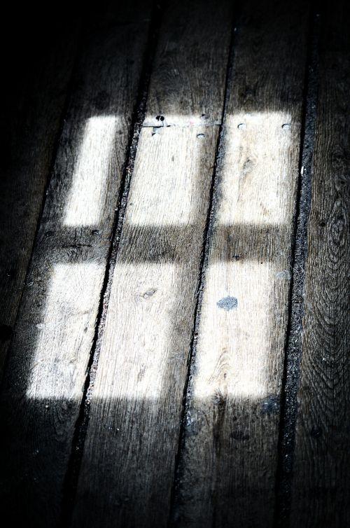 shadow window light