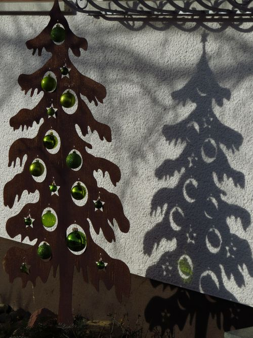 shadow drop shadow christmas tree