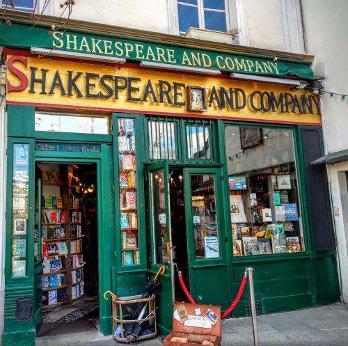 shakespeare and company paris books