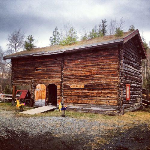 shed shack cabin