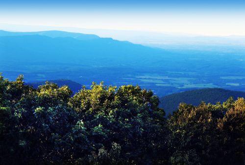 shenandoah valley mountain peak