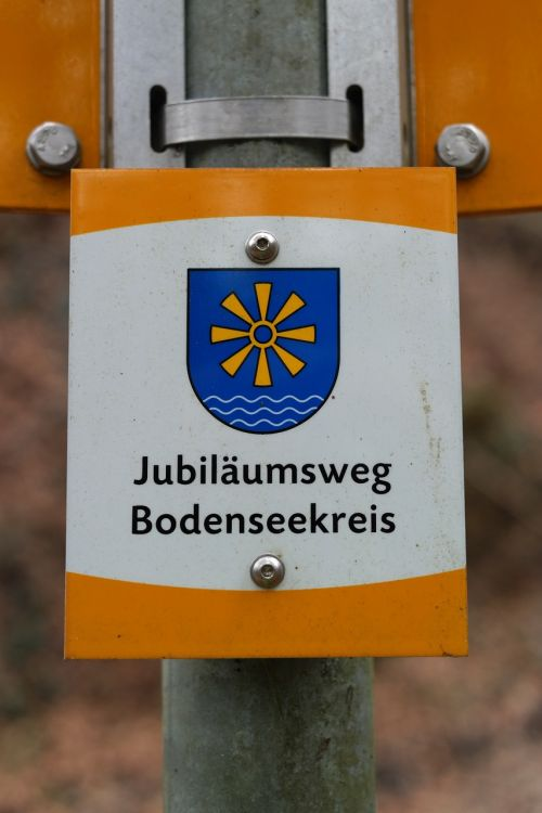 shield signposts jubilee way bodenseekreis