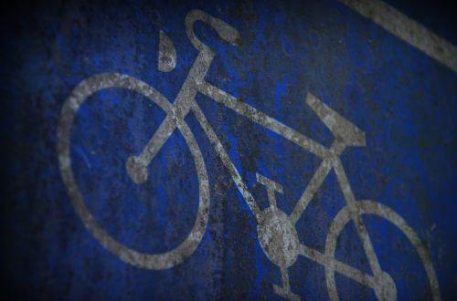 skydas,ratas,mėlynas,senas,samanos,tamsi,pastaba,eismas,dviratis,dviračiu,kelio ženklas,Dviračių takas,simbolis,dviračių takų ženklai