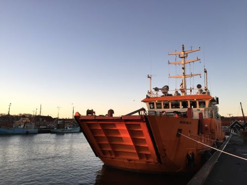 ship port morning