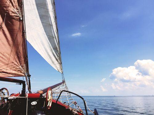 ship sailing boat boot
