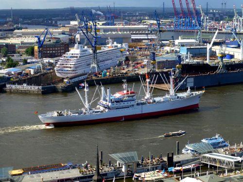 ship container elbe