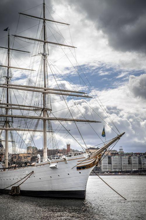 ship boat himmel
