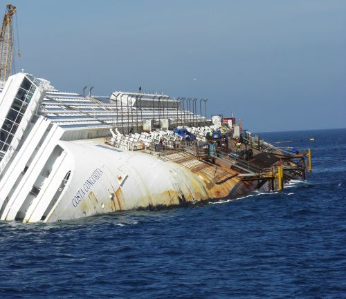 ship passenger ship wreck