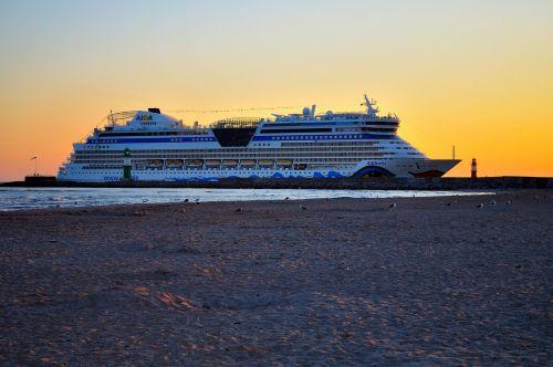 ship port coast