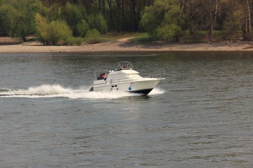 ship boot powerboat