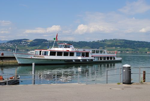ship switzerland lake