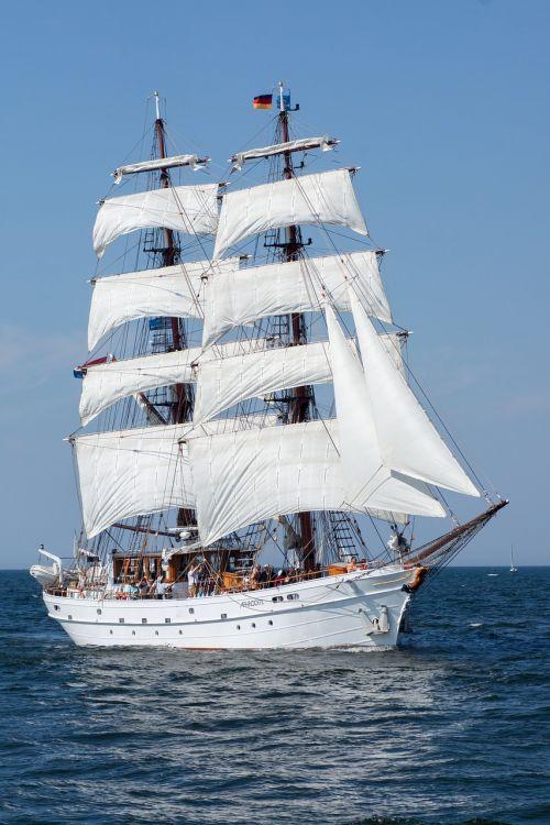 ship hanse sail baltic sea