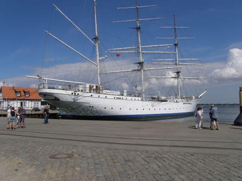 ship gorch fock training ship
