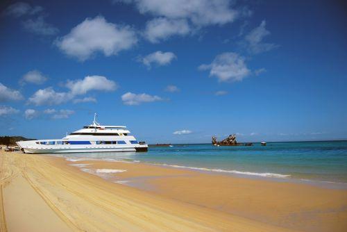 ship accident beach