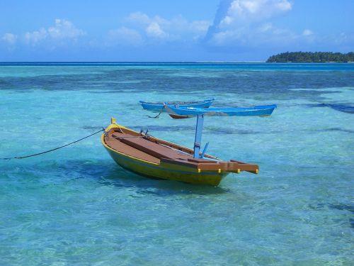 ship paradise blue sea