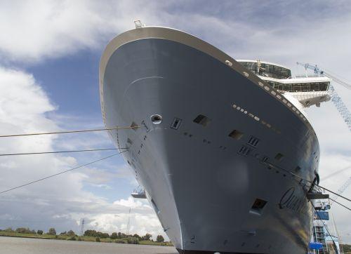 ship passenger ship quay