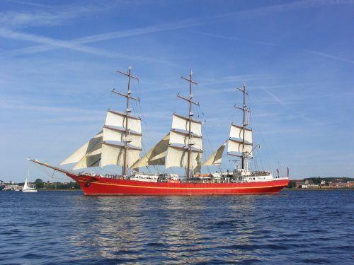 ship tall vessel