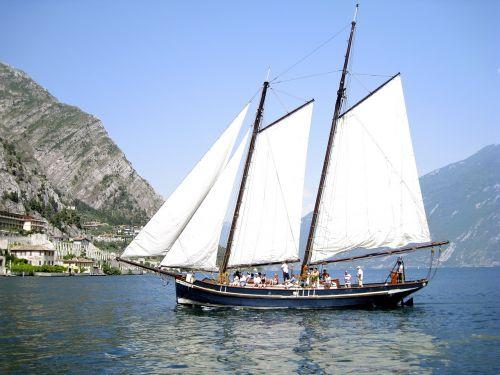 ship garda italy
