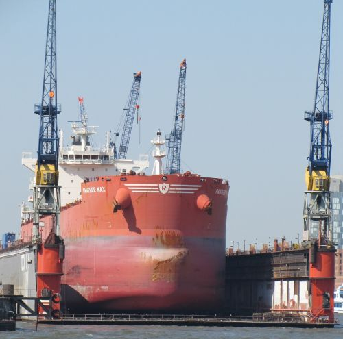 ship hamburg floating dock