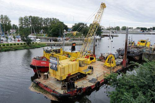 ship crane ship crane
