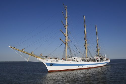shipping  seafaring  sail training ship mir