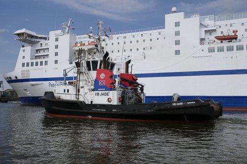 shipping  seafaring  tug