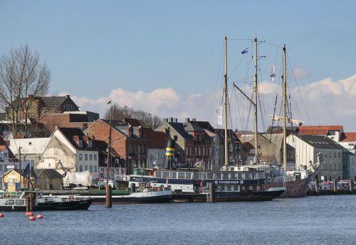 ships oldtimer oldtimer harbor
