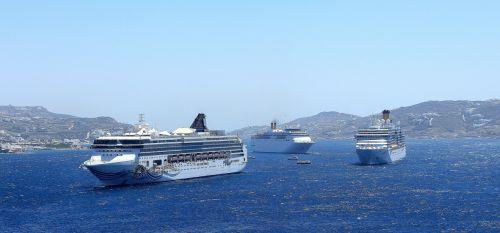 ships cruise ships cruise