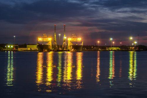 ships port lights