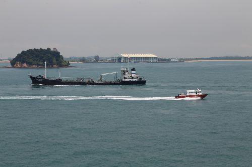 ships boats sea