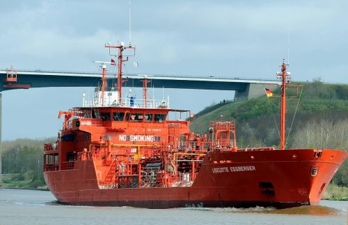 ships shipping tanker