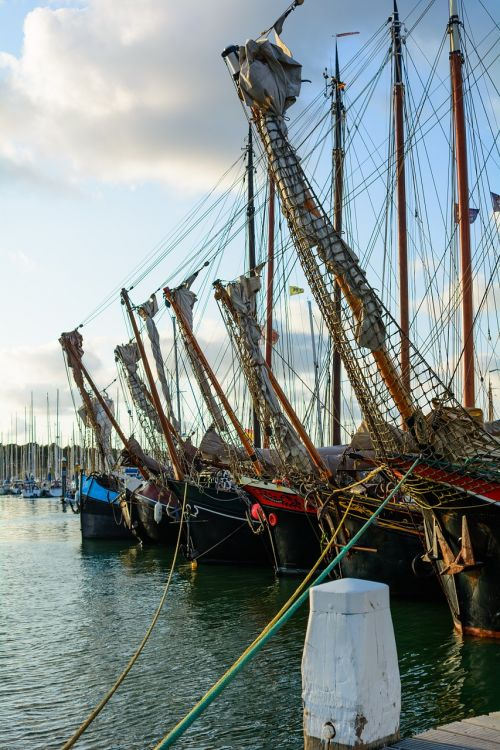 ships wooden habour
