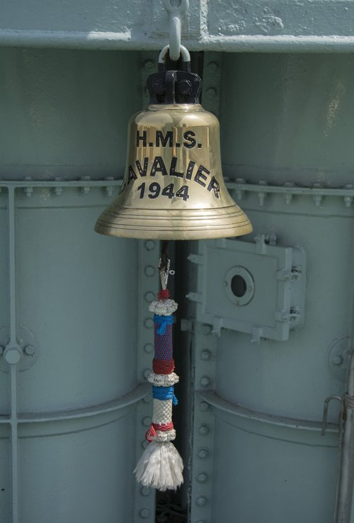 ships bell  ring the bell  ship