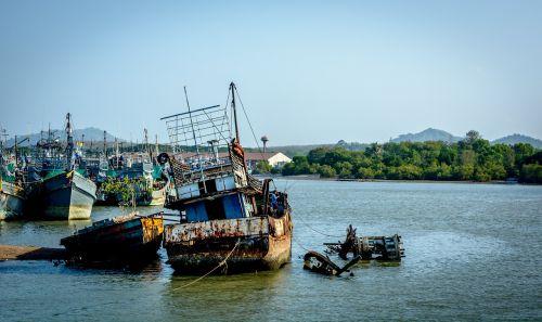 shipwreck wreckage wreck