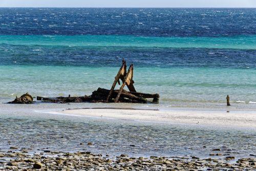 shipwreck sea ocean