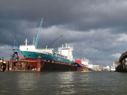 shipyard port hamburg