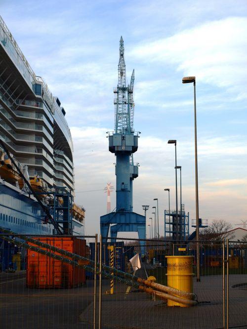 shipyard shipyard crane crane